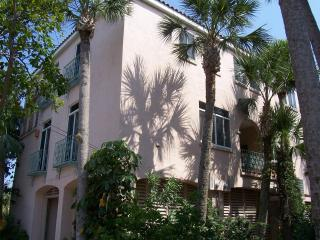 The Shells Villa - Next to Beach & Village - Siesta Key vacation rentals