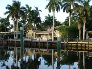 Waterfront, prime location,dock space, heated pool - Fort Lauderdale vacation rentals