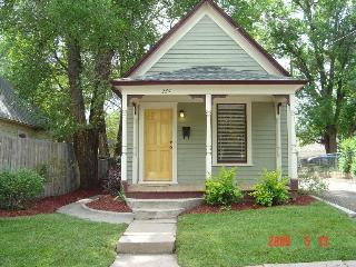 Downtown Mini-Victorian w/Garage-Available through January  FOR SALE IN FEBRUARY - Colorado Springs vacation rentals