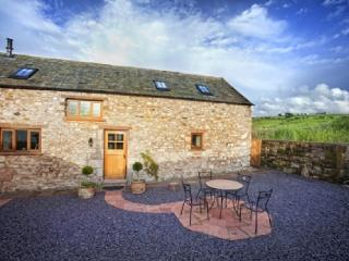 SWALLOWS BARN, Torpenhow, Caldbeck Fells, Nr Keswick - Keswick vacation rentals