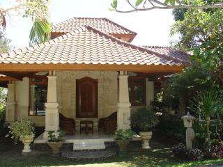 Hidden treasure in beautiful scenery of North Bali - Lovina vacation rentals