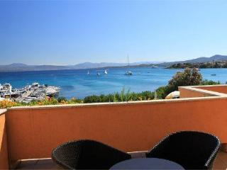 Beach Apartment on Golfo Aranci - - San Teodoro vacation rentals