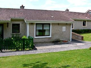 NO 16 LAKELANDS, pet friendly, with a garden in Tramore, County Waterford, Ref 4676 - Bunmahon vacation rentals