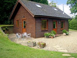 THE COTTAGE, pet friendly, country holiday cottage, with a garden in Culverstone Green, Ref 6259 - Edenbridge vacation rentals