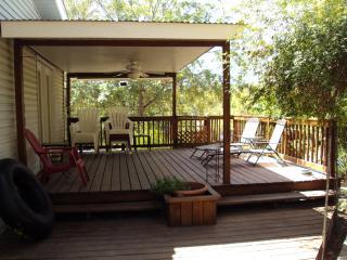 Paradise River Retreat_ Call Shannon 830-358-6111 - New Braunfels vacation rentals
