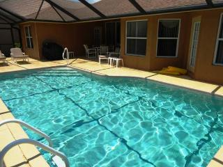 4 bedroom House with Dishwasher in Naples - Naples vacation rentals