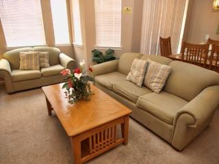 TR2C613TRC 2 Bedroom Condo with Beautiful Furnishings - Davenport vacation rentals