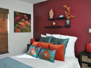 Casita del Sol - 2 Bedroom House in Bouldin Creek - Austin vacation rentals