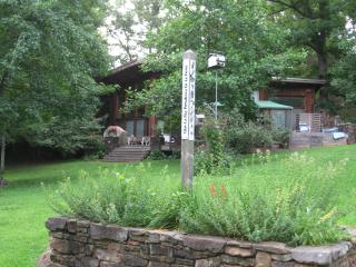Secluded Vacation River Retreat in Ozark Mountains - Parthenon vacation rentals