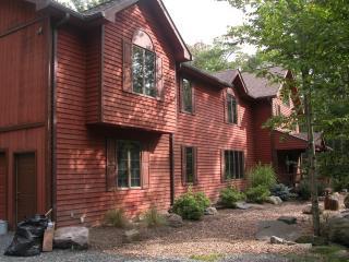 7 bedroom family vacation-luxury, fun, comfort - Pocono Pines vacation rentals