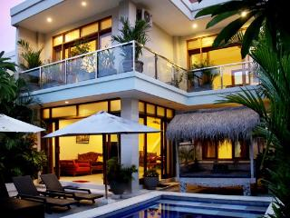 Villa Nova, beautiful oasis in central Legian. - Legian vacation rentals