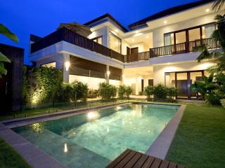 Villa Echo Padi: 150 mtrs to beach + pool fencing - Canggu vacation rentals