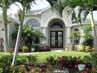 Luxurious Waterfront Villa with Motorboat Incl - Cape Coral vacation rentals