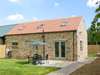 SCEPTRE COTTAGE, country holiday cottage, with a garden in Crakehall, Ref 7902 - Bedale vacation rentals