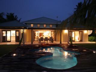 Palm Beach Villa Jolly Harbour, Antigua - Beachfront, Pool, Landscaped Gardens - Jolly Harbour vacation rentals