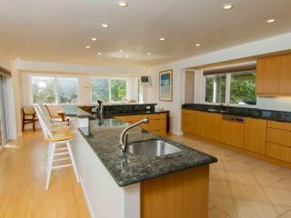 Gorgeous House with Deck and Internet Access - Laie vacation rentals