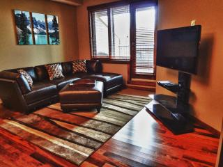Award-winning Canmore 2-bedroom, superb location! - Canmore vacation rentals