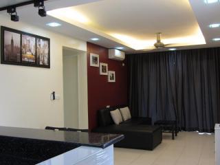 Summer Stay 3 Bedroom Condo in Damansara Perdana