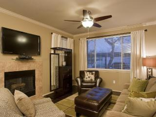 2 Bed 2 Bath Condo - Kierland Plaza  Condo - Gated - Scottsdale vacation rentals