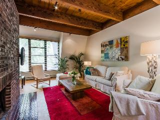 Charming Condo with Internet Access and A/C - Montreal vacation rentals