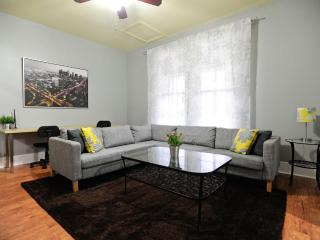 Beautiful Hyde Park Home Central Austin 1200 sq ft - Austin vacation rentals