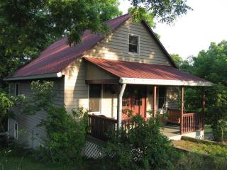 A Little House All to Yourself--Relax & Unwind! - Natural Bridge vacation rentals
