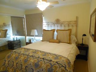 True Oceanfront- village location,simply wonderful - Laguna Beach vacation rentals