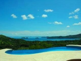 Cozy Apartment in Playas del Coco with Internet Access, sleeps 8 - Playas del Coco vacation rentals