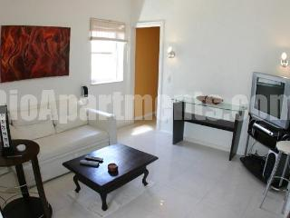 Two bedroom very close to beach - Cod: 2-17 - State of Rio de Janeiro vacation rentals
