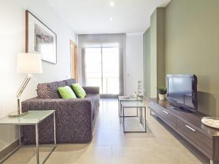 Virreina - 1 bedroom with view to the street - Barcelona vacation rentals