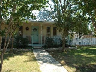 Comfortable House with Internet Access and Satellite Or Cable TV - Fredericksburg vacation rentals