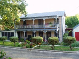 Perfect 1 bedroom Fredericksburg House with Internet Access - Fredericksburg vacation rentals