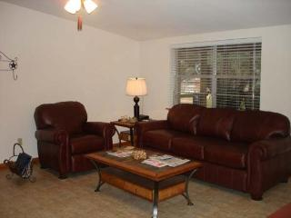DUBL-C Guest House - Hunt vacation rentals