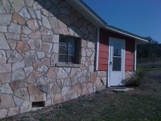 Flat Rock Ranch - Comfort vacation rentals