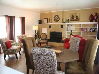 2 bedroom House with Internet Access in Fredericksburg - Fredericksburg vacation rentals