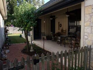 2 bedroom House with Satellite Or Cable TV in Fredericksburg - Fredericksburg vacation rentals