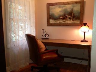 Charming 4 bedroom House in Fredericksburg - Fredericksburg vacation rentals