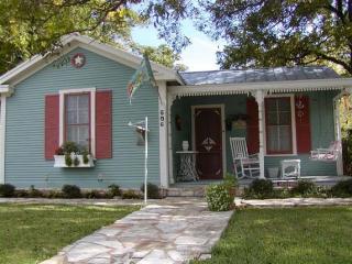 Brigid's Cottage - Fredericksburg vacation rentals