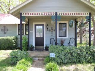 Country Quiet Guesthouse - Fredericksburg vacation rentals