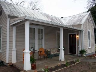 High Street Guesthouse - Comfort vacation rentals