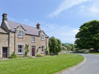 SOUTH VIEW, country holiday cottage, with a garden in Redmire, Ref 8835 - Redmire vacation rentals