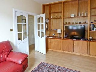 BLAIR HOUSE, family friendly, with a garden in Dalbeattie, Ref 9826 - Dalbeattie vacation rentals