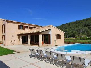 Fantastic Villa Puerto Pollensa walking distance - Palma de Mallorca vacation rentals