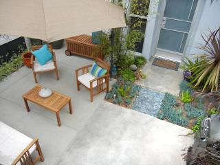 2 Master Suites! Profiled in The Daily Telegraph! - Venice Beach vacation rentals