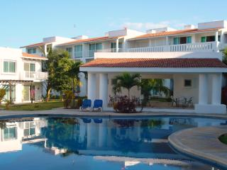 Beautiful 2 Bed Condo Playa del Carmen :: Playacar - Playa del Carmen vacation rentals