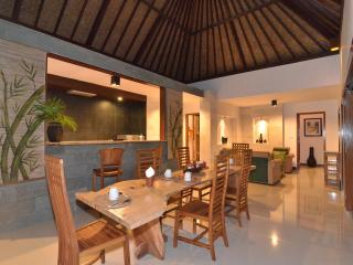 Villa Maia: 2 bed, Open Plan, Rice Field Setting - Ubud vacation rentals