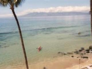 Roomy 3brm Townhouse Direct Ocean Front - Lahaina vacation rentals