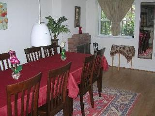 Cap.Hill Luxury3BR1.5 BA-StepsToCapitol&UnionStatn - District of Columbia vacation rentals