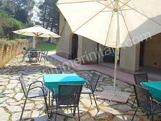 Bright 2 bedroom Riparbella House with Deck - Riparbella vacation rentals