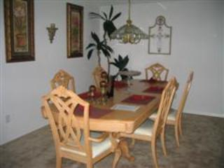Dinning Area - Cheap 4 Bedroom Pool Home, $110 a Night All Year - Kissimmee - rentals